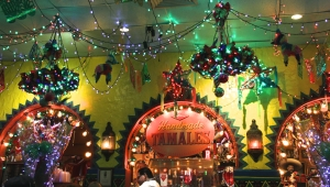 Mi Tierra decor, festive even at breakfast